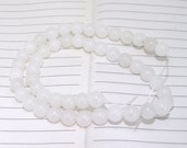 """strand Round White Jade Beads ----- 8mm ----- about 48Pieces ----- gemstone beads--- 15"""" in length"""