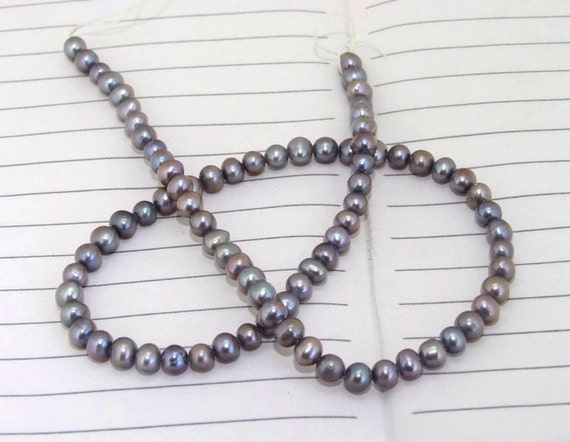 One Full Strand--- Pure grey Freshwater Pearl----5mm----about 79Pieces----15 inch strand