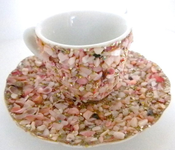 Small cup and Saucer made of shells Vintage Florida