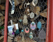 distressed jewelry &/or picture frame with chicken wire.