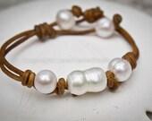 Leather pearl bracelet - pearl leather jewelry - pearl leather bracelet - pearl leather - leather pearl - leather bracelet - seaside