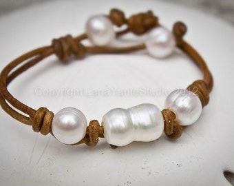 Leather pearl bracelet - pearl leather jewelry - pearl leather bracelet - pearl leather - leather pearl - leather bracelet - seaside