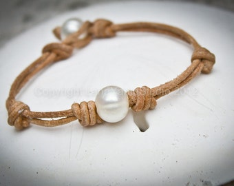 Leather and pearl bracelet - leather bracelet - pearl bracelet - freshwater pearl and leather bracelet
