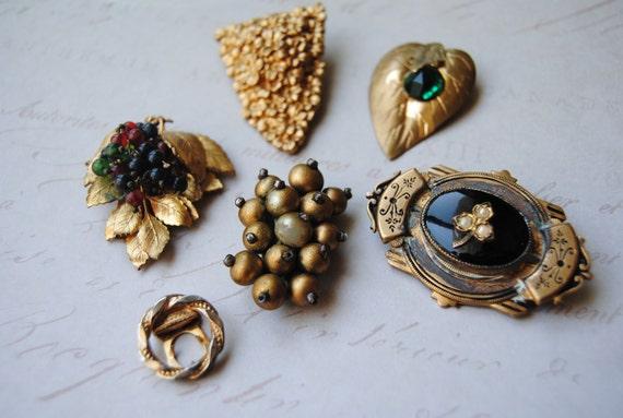 SALE--Vintage Dress Clip Brooch Lot--SALE
