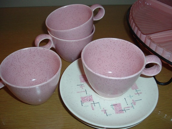 Vernon Metlox  Atomic 1950's Tickled Pink Set of 4 Cups & Saucers Mid Century Kitchen
