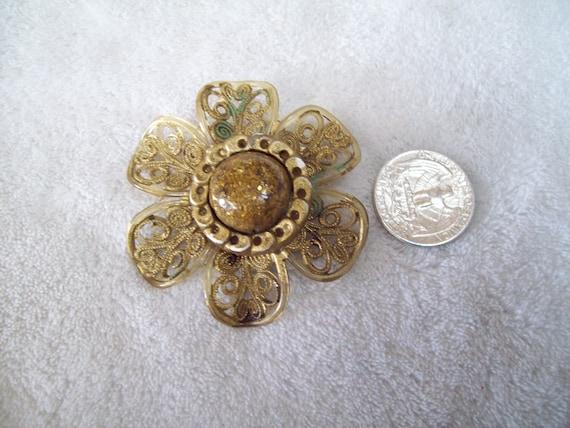 Vtg Pin- Funky Plastic Flower-OLD -P984