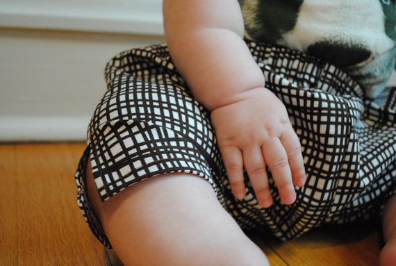 Unisex baby ninja pants, size 6-12 months, harem pants, capri length baby pants