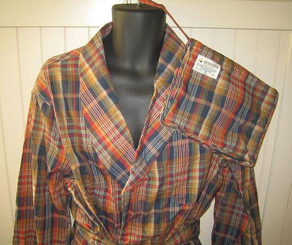 Vintage 50s plaid robe // with swift zip travel bag / lounging dressing gown / smoking jacket / NOS unworn .... M L