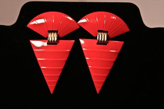 1980's abstract arrowhead earrings