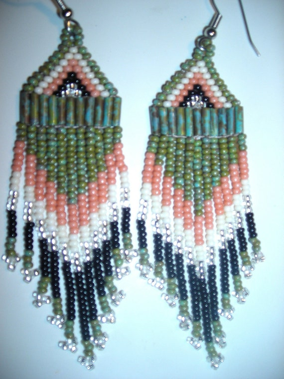SOUTHWEST Hand-beaded earrings Turquoise Picasso beads