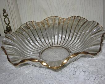 Vintage Bowl,Large Serving Bowl,Vintage Dishes ,Vintage bowls,Vintage Kitchen ,Pretty Ruffles Bowl  :) Not Included In Coupon Sale