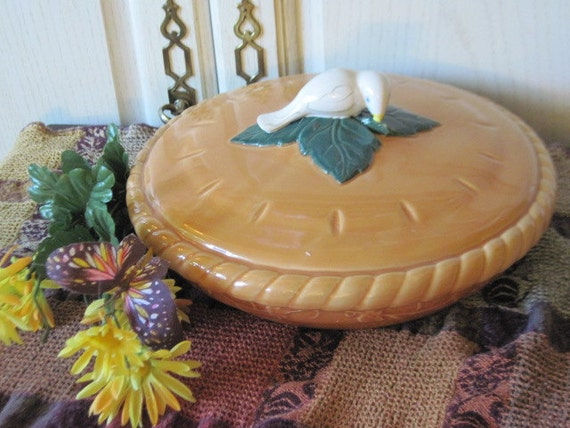 Covered Pie Plate with lid pottery nice