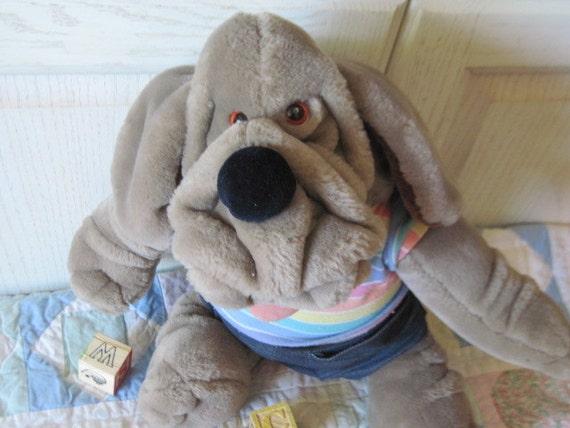 Talking Wrinkles Puppet Dog Takes Batteries