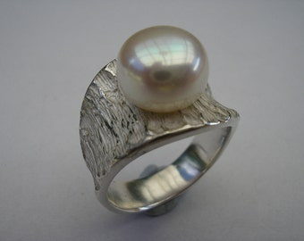 Pearl Ring with Coral Texture