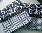 Hint of Red Pillowcase Set