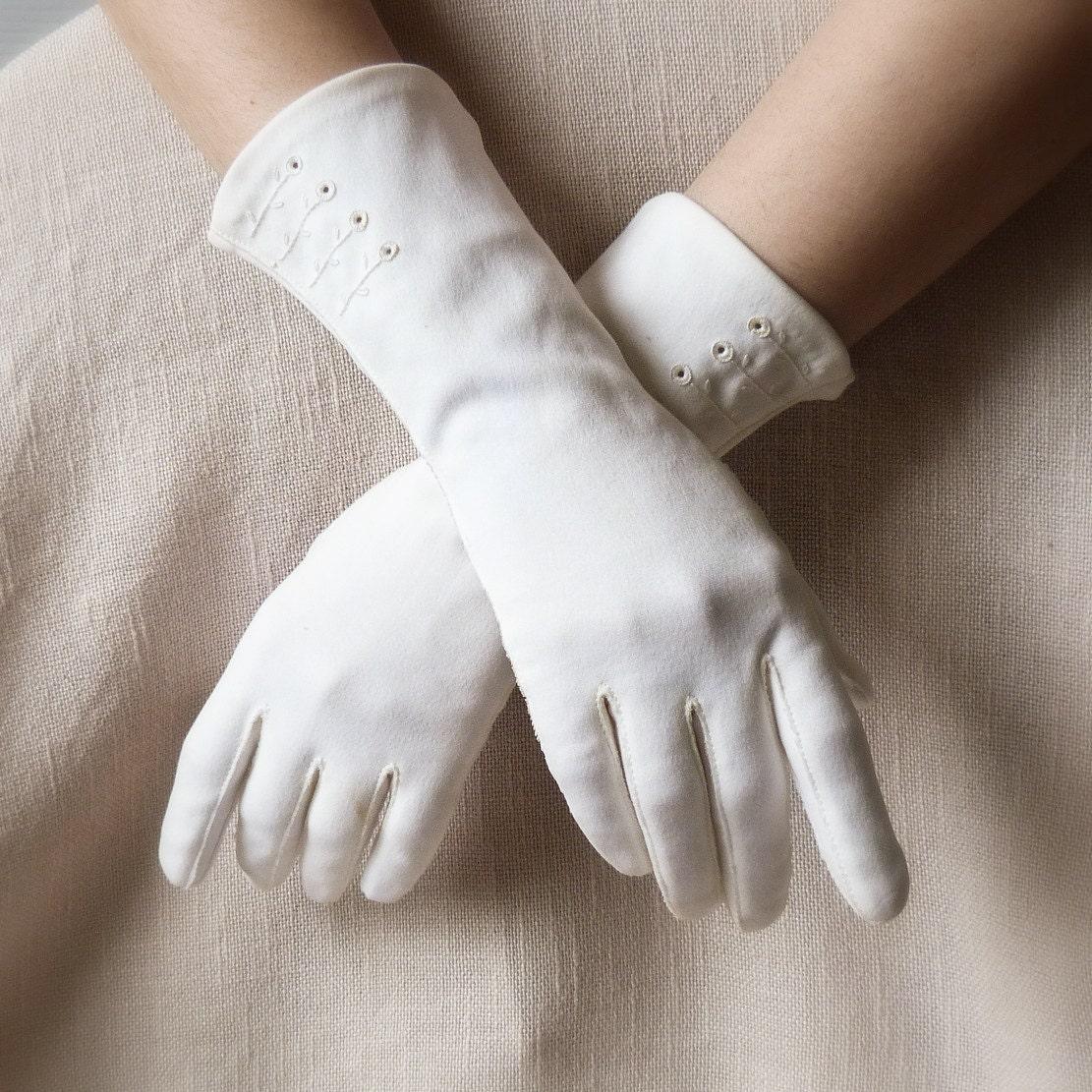 Vintage Women&-39-s White Gloves Formal Gloves Size by TheOpenSesame
