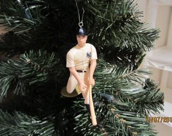 Joe Dimaggio, Lou Gehrig, Yogi Berra,  Roger Maris,Whitey Ford, Mickey Mantle New York Yankees baseball christmas sports ornament