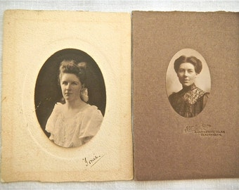 Vintage photographs, oval - Portrait photographs, two women - Photographs, dated 1907