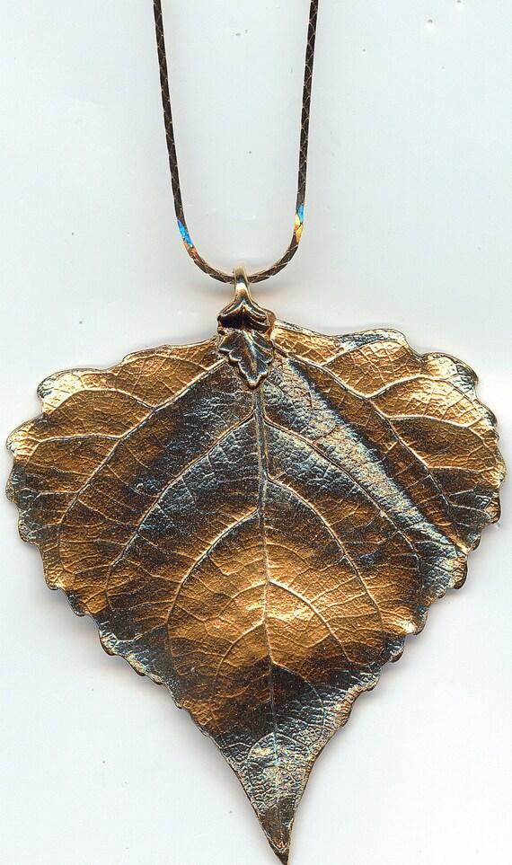 Vintage Gold Leaf Pendant and Necklace.  Super Detailed.  Excellent Condition