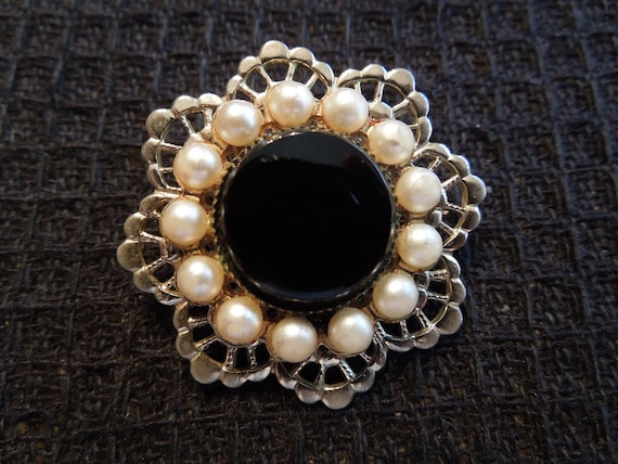 Vintage Brooch.  Gold Tone Filigree, Faux Pearls, Black Lucite, Make for a Charming Piece