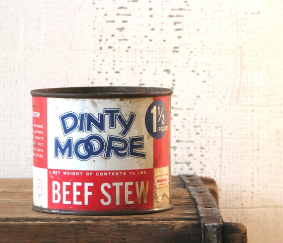 tin metal can - dinty moore beef stew - rustic country farmhouse kitchen display herb planter table centerpiece red white and blue