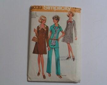 Vintage Simplicity Pattern  9039  Women's Dress or Tunic & Pants