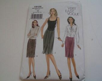 Vogue Pattern V8126 Very Easy Misses Pitite Skirt