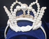 Girls Pearl Crown for a P...