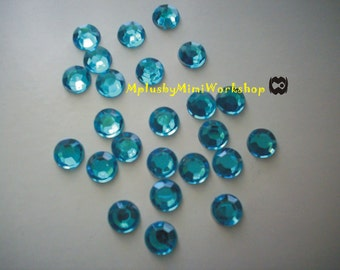 3mm Aquamarine (Ice Blue) Rhinestones 400pc - High quality