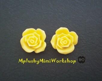 Flatback Yellow Flower Cabochons 2pc