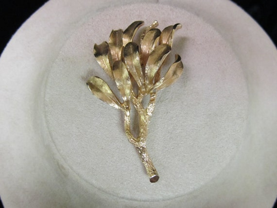 Vintage Signed PASTELLI Goldtone Pin  1970s