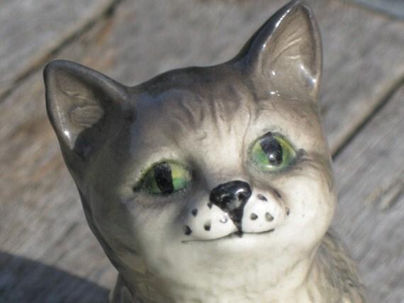 Vintage Porcelain Figurine Royal Doulton England Cat Kitten Stamped Tabby Green Eyes Gray