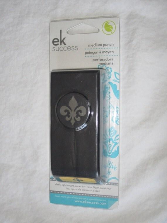 EK Success Fleur De Lis Medium Punch