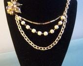 Wonder Pearls recycled/ upcycled/ repurposed vintage neckalce