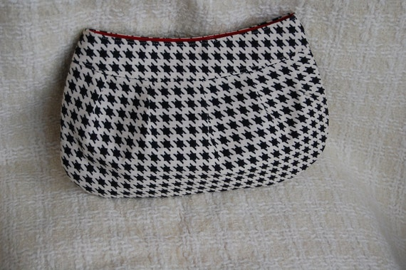 Houndstooth Pleated Clutch