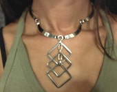 UNIQUE NECKLACE , Dangling Squares and Metal Bars Necklace And Earrings Set