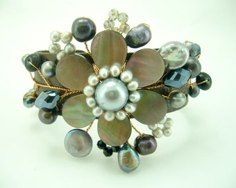 Flower grey shell,freshwater pearl,crystal with wire on leather bangle