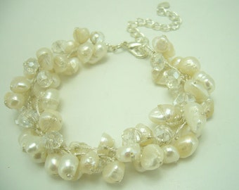 White Freshwater pearl,clear crystal bracelet.