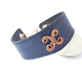 Leather cuff -  navy