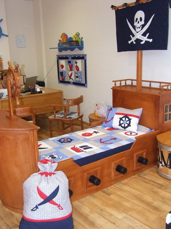nautical ship 39 s bedding into children 39 s room pirate quilt blanket