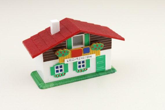 Kitsch Plastic Liechtenstein House Souvenir Viewer