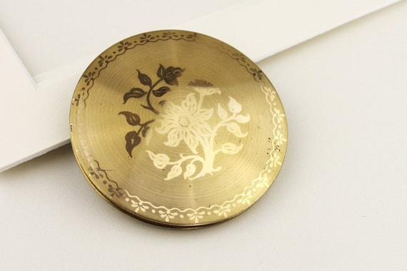 Gold Tone Vintage Flower Design Round Mirror Compact Very used