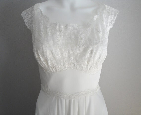 Vintage 1950s Lingerie Nightgown 50s Lace Bombshell Pin Up