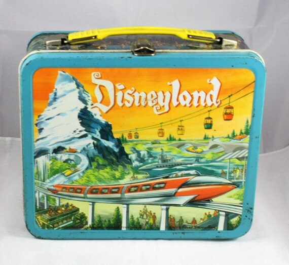 1960 Disneyland Lunchbox No thermos.   (Reserved for Oscar)