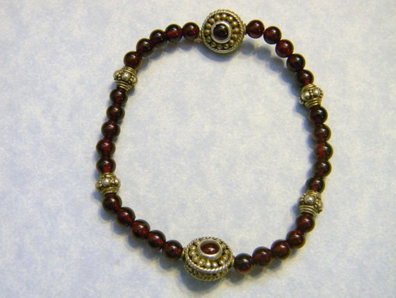 Garnet and Bali Silver Stretch Bracelet with Two Sided  Garnet and Siver Beads