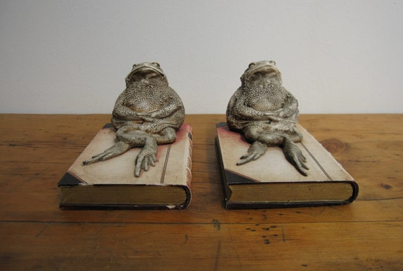 RESERVED - Vintage Bookends of 2 Toads on a Book, Decor/Curio/Library //HG41