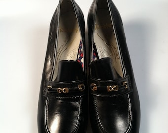 Women's Vintage FLORSHEIM Shoes Genuine Leather RAMBLERS 8 1/2 B New Old Stock