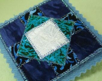 Patchwork Pieced Geometric Quilt Block Fabric Art Pin
