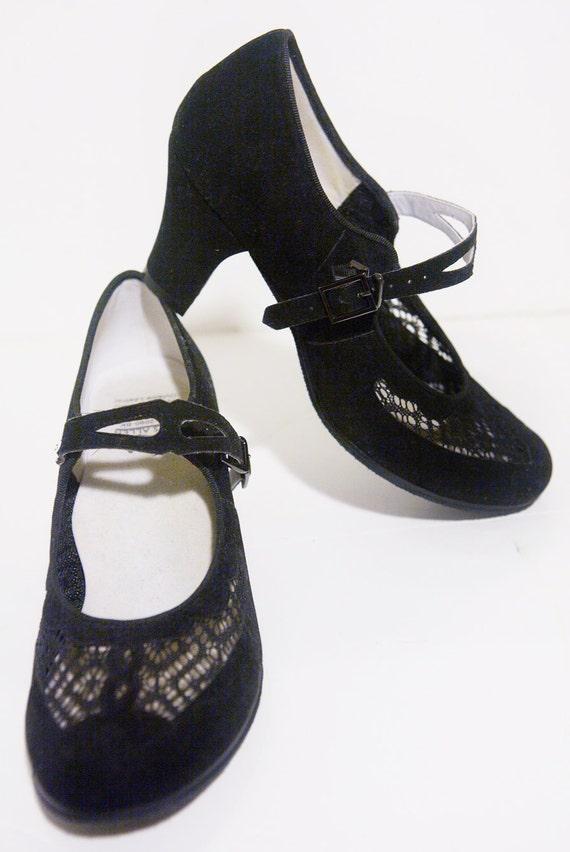 1920's 1930's baby doll Aris Allen REPRODUCTION velvet black shoes WORN ONCE.