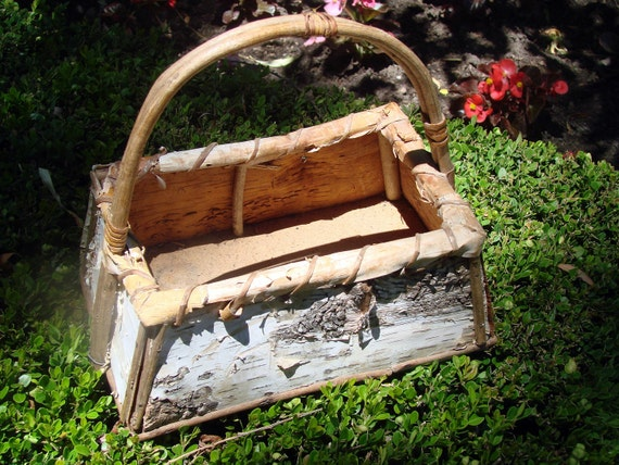 Beautiful Mid Century  Hand crafted Ojibway Birch Bark Basket
